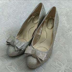 Bandolino Sparkle Heels with Bow Size 7